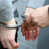 Uhapšen pošto je na Fejsbuku pozivao ljude da se okupe i ponesu motorne testere 4