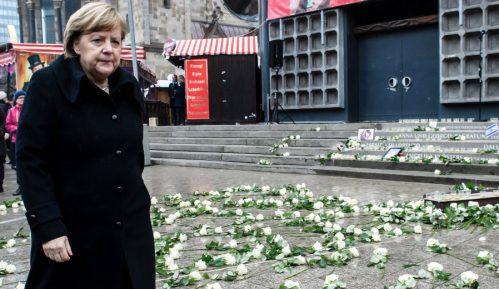Merkel priznala grešku 13