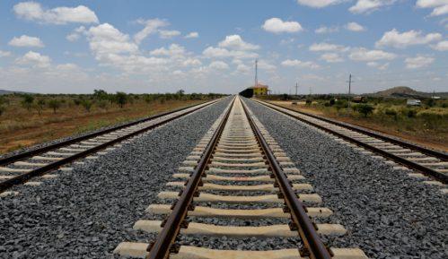 Umrla devojka koju je u Nišu udario voz 14