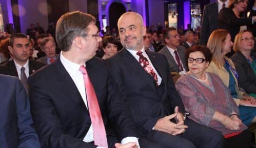 Vučić ponudio pomoć Rami 1