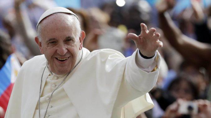 Papa 7. maja u Skoplju 1