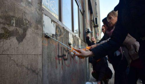 Prekrečeni grafiti mržnje prema Mariniki Tepić 3