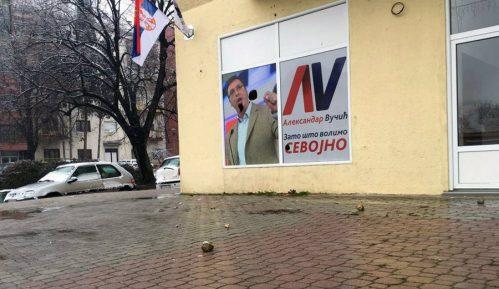 Napad na aktiviste SNS  na Novom Beogradu 14