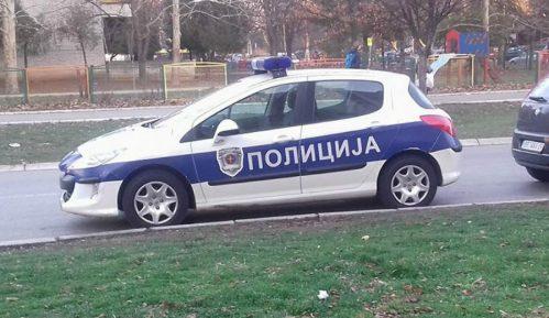 Kragujevac: Policajcu izgoreo automobil 8