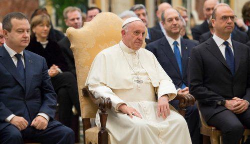 Papa osudio napade na crkve u Šri Lanki 9