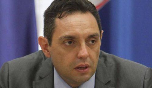 Vulin: Petričićeve slike su odraz njegove mržnje prema Vučiću 13