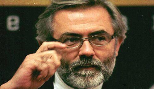 Advokat porodice Ćuruvije: Optuženom Kuraku produžen pasoš Srbije, pod zaštitom je 10