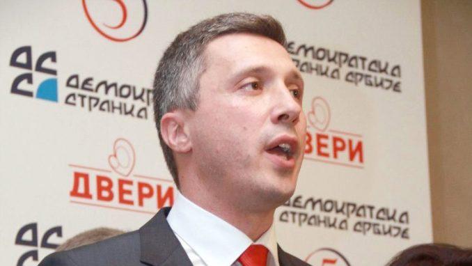 Dveri predložile predsednika Skupštine Čačka za nagradu jer je obesmislio sve u Skupštini 1