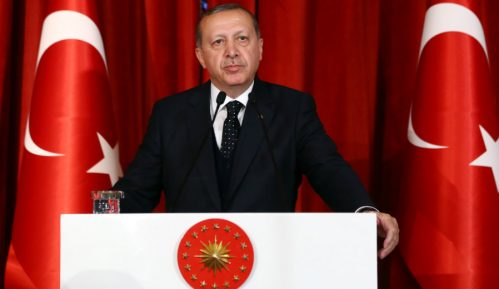 Erdogan poručio Makronu da je on u stanju moždane smrti 13