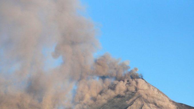 Jedna žrtva erupcije vulkana u Japanu 1