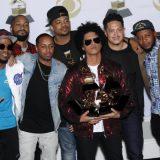 Za Bruno Marsa šest Gremija 7