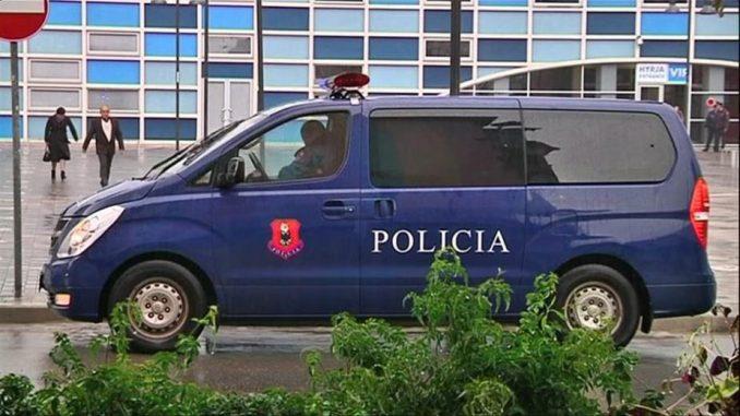 Pušteni Srbi koje je kosovska policija privela na prelazu Bela zemlja 1
