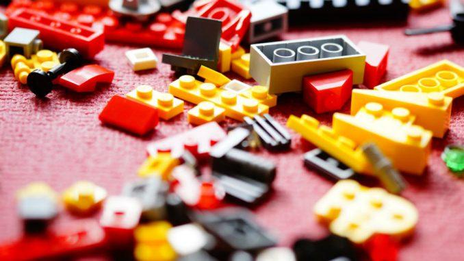 Lego proba način da 'reciklira' kockice, a traga za novim materijalom 1