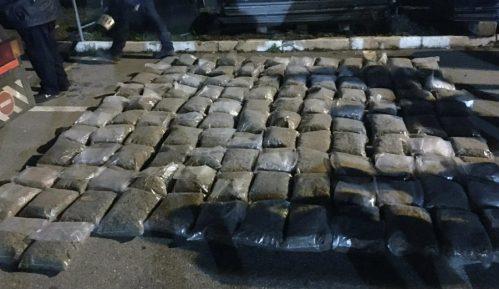 Zaplenjeno 340 kilograma marinuane na graničnom prelazu Batrovci 10