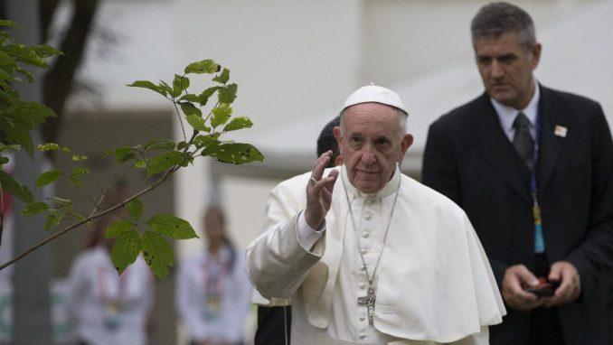 Papa traži kazne za seksualno zlostavljanje 1