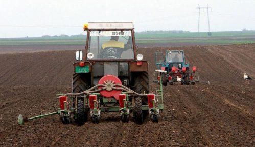 Sud u Prokuplju kaznio čoveka za vožnju traktora, iako je vozio frezu 3