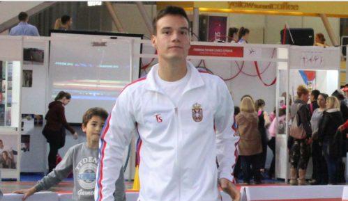 Miladinović u polufinalu juniorskog AO 3