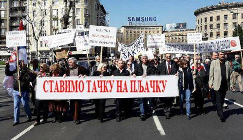 Protest penzionera: Za šest godina oteto četiri do pet milijardi evra 9