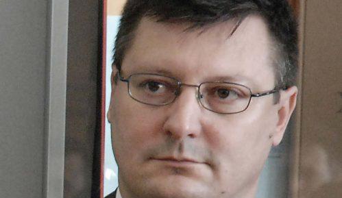 Autori udžbenika najavljuju tužbu, Kavčić povlači matematiku 7