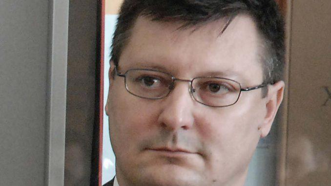 Autori udžbenika najavljuju tužbu, Kavčić povlači matematiku 3
