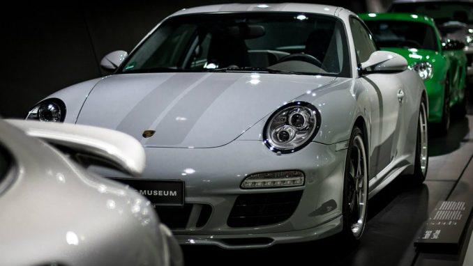 Bela boja i dalje broj jedan za automobile 1