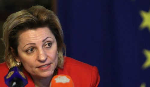 Apostolova: Najbolje rešenje da Kosovo ukine taksu 7