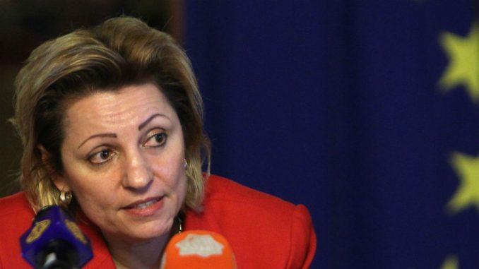 Šefica kancelarije EU završava službu na Kosovu 3