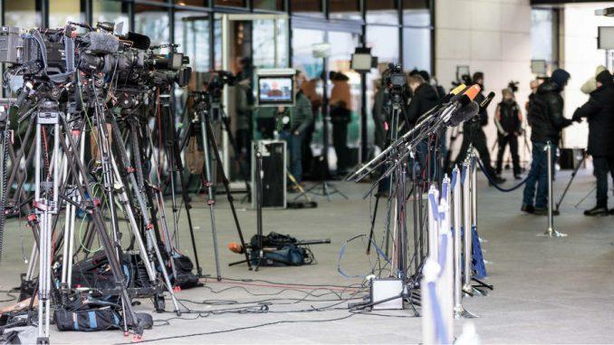 Kako urediti medije u Srbiji 1