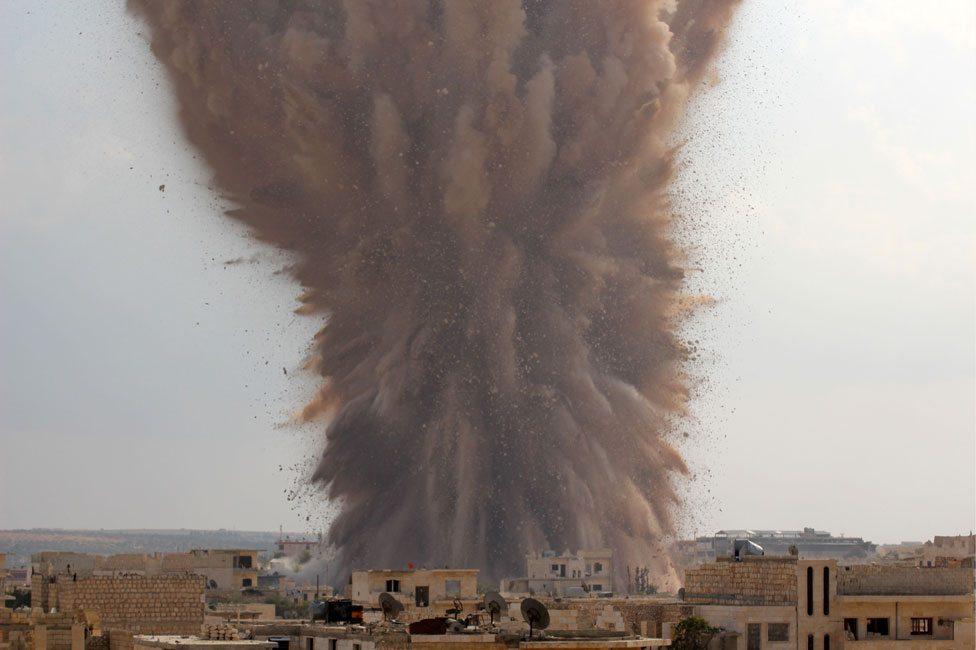 Eksplozija koju je izazvala Ahrar Al Šam u sirijskoj vojnoj bazi u provinciji Idlib 2014. godine