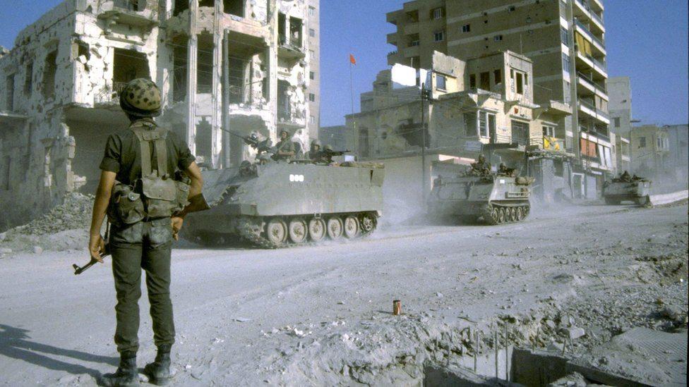 Izraelski vojnik na ulicama Libana (4. septembar 1983. godine)