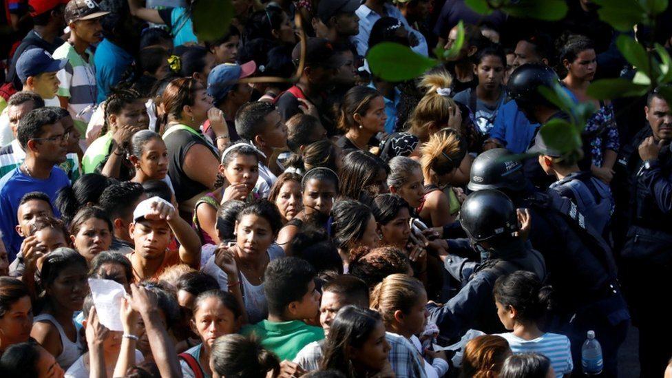 Ljutiti rođaci stradalih u požaru u Valensiji u Venecueli