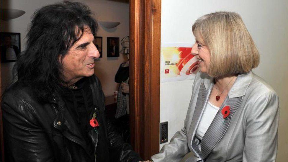 Tereza Mej i rok zvezda Alis Kuper 2010. godine