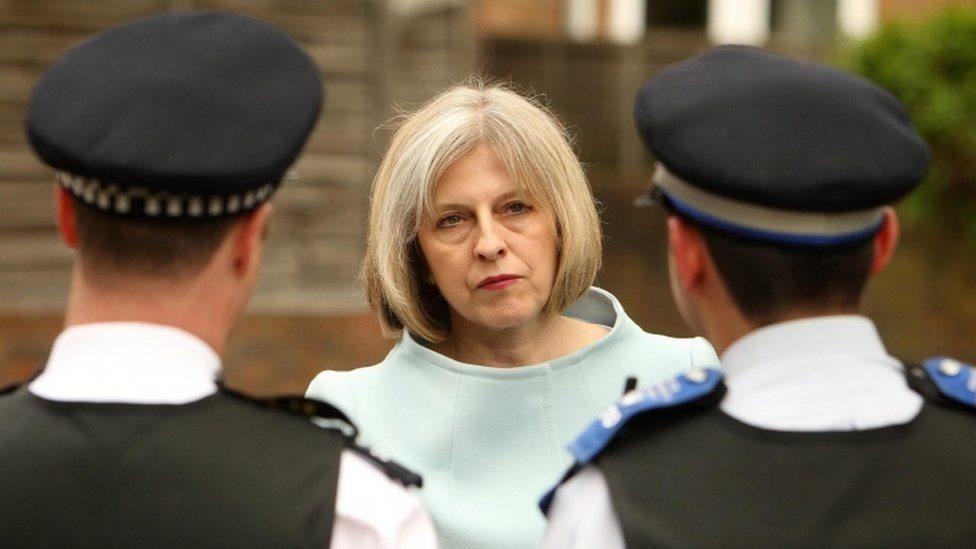 Tereza Mej i policajci