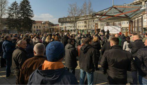 Progon građana koji učestvuju u protestima u Požegi 9