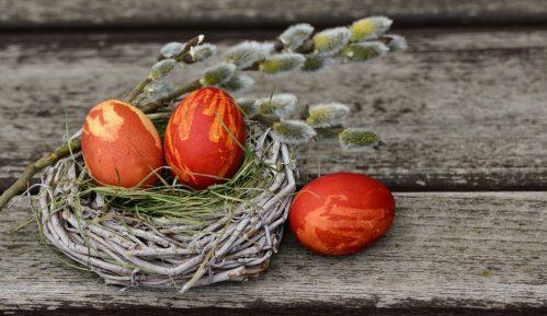 Pravoslavni vernici proslavljaju Uskrs: Hristos vaskrse! 12