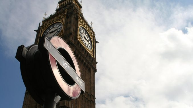Poslanik britanskih konzervativaca uhapšen po optužbi za silovanje 2