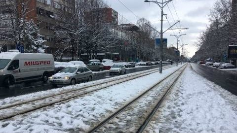Sneg na putu otežava saobraćaj 1