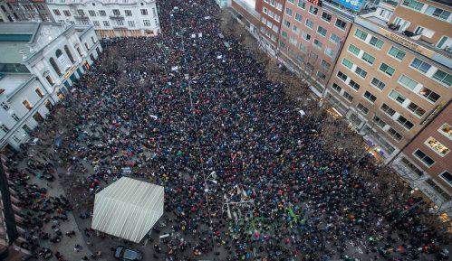 Veliki protesti u Slovačkoj zbog ubistva novinara 10