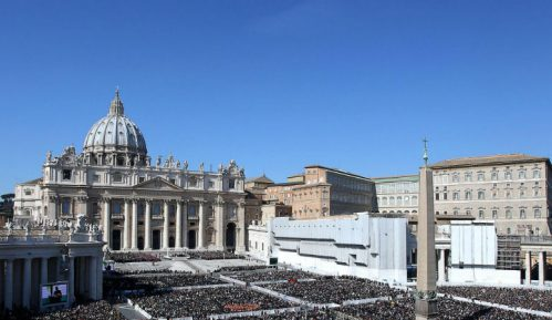 Vatikan će u Rimu otvoriti prihvatni centar za izbeglice 1