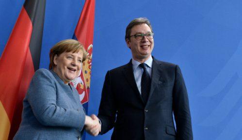 Vučić: Zamoliću Merkel da nam pomogne u više pitanja 4