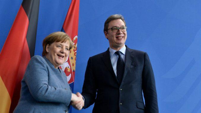 Vučić: Zamoliću Merkel da nam pomogne u više pitanja 1