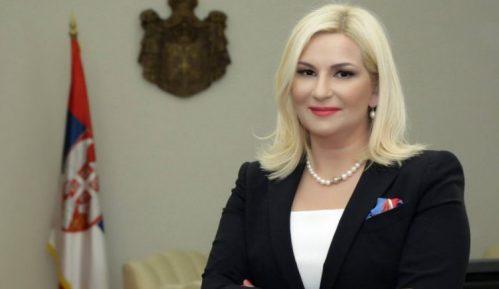 Mihajlović: Vlada iskreno posvećena unapređenju položaja Roma 3