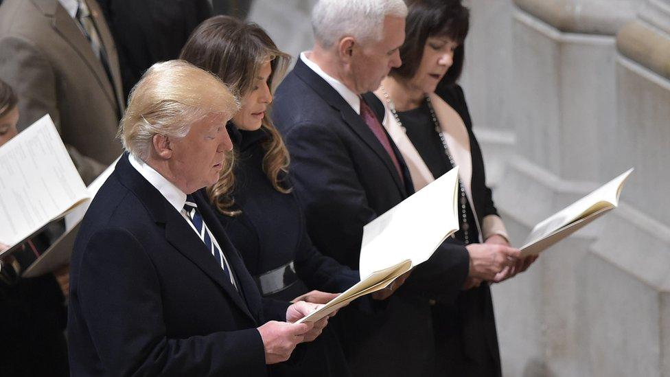 Donald Tramp, Majk Pens sa suprugama Melanijom i Keren u Nacionalnoj katedrali u januaru 2017.