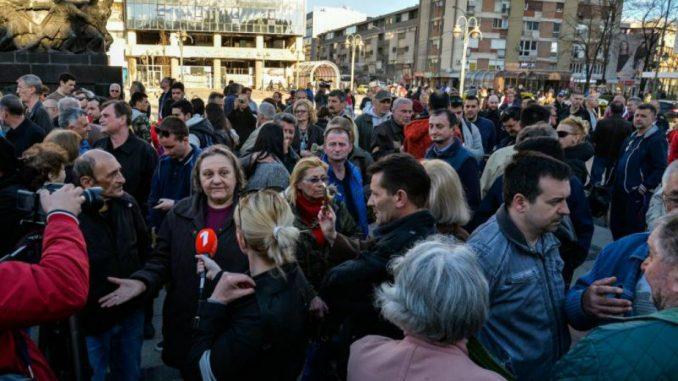 Nišlije protestom dočekuju ministarku Mihajlović ispred Gradske kuće 1
