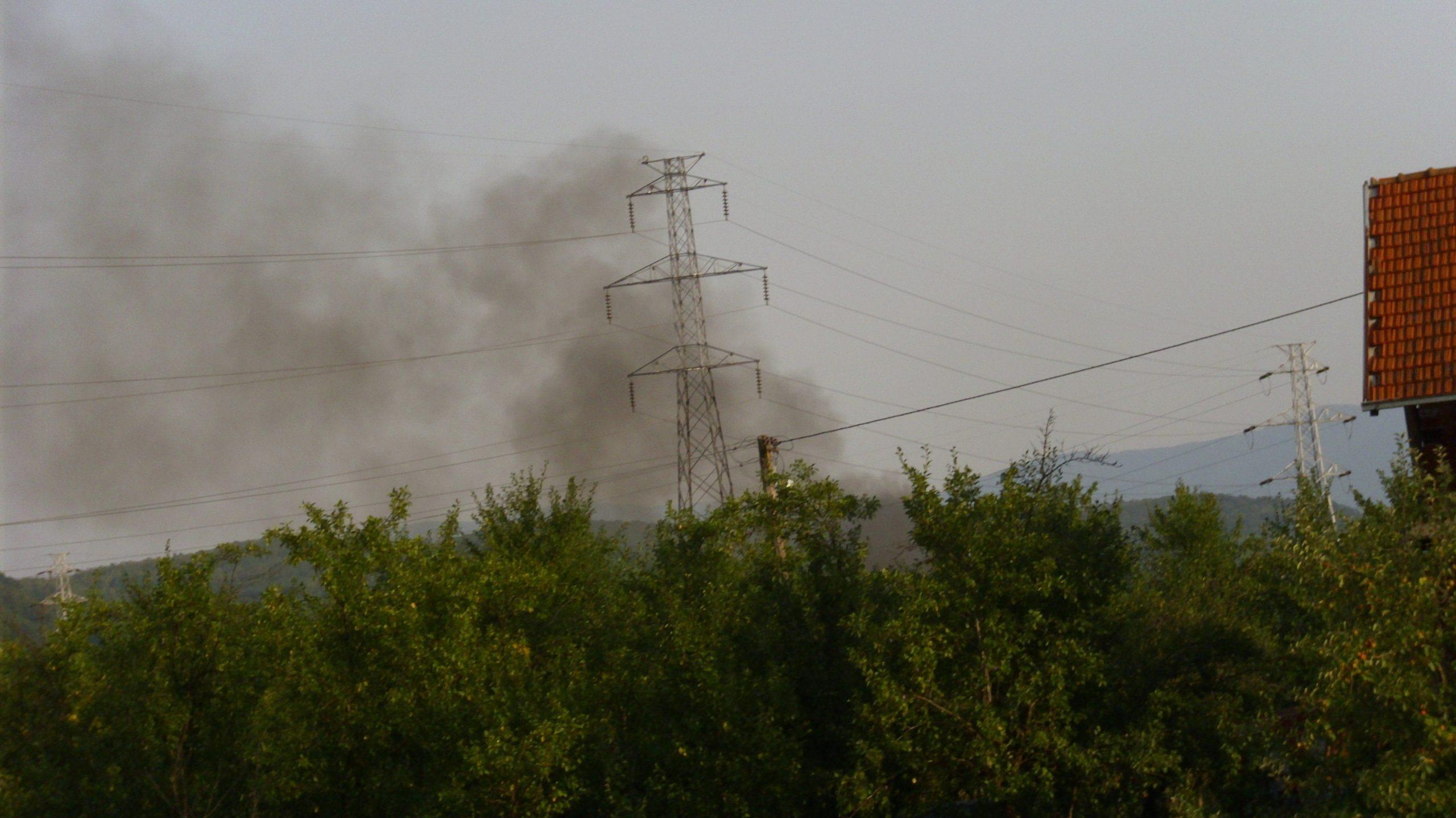 Nekoliko požara u fabrici nameštaja u Leskovcu 1