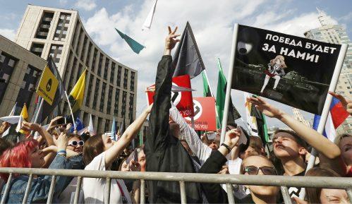 """Dole car"": 10.000 na ulicama Moskve zbog interneta 2"