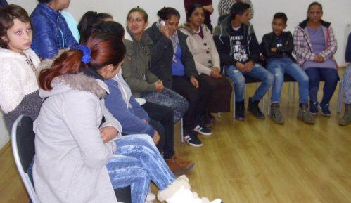 Međunarodni Dan Roma u Bojniku igrom i pesmom obeležilo i staro i mlado 5