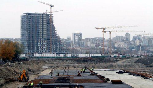 Beograd na vodi: Pod radnikom pukla daska, teško povređen posle pada 2