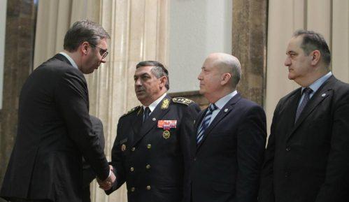 Vučić: Vojska je nesumnjivo najbolji deo našeg društva 8