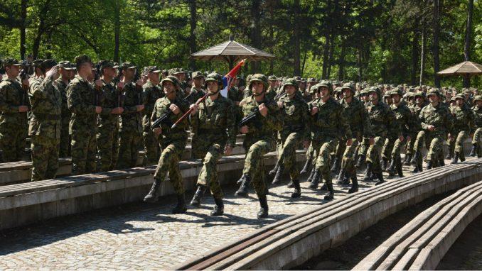 Obeležen Dan Vojske u gradovima Srbije 2